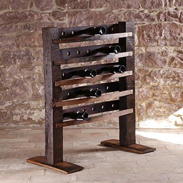 Wein-Accessoires und Fassmöbel